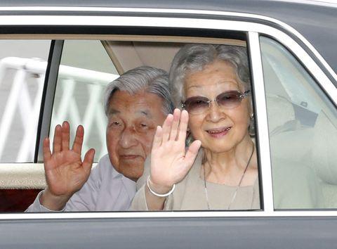 上皇ご夫妻、軽井沢へ