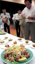 試食会で発表されたバリコロ焼きの新メニュー