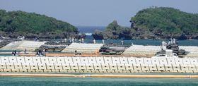 米軍普天間飛行場の移設工事が続く沖縄県名護市辺野古の沿岸部=14日