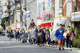 福岡市の「博多松囃子」