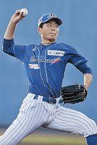 復帰戦を白星で飾った石川の先発近藤=金沢市民野球場