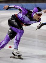 高校男子1000メートルを1分19秒02で3連覇した宇賀神怜真(作新)=日光霧降スケートセンター