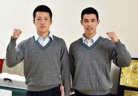 軟式野球部がある六花亭製菓に入社が内定した伊藤さん(右)と桃枝さん