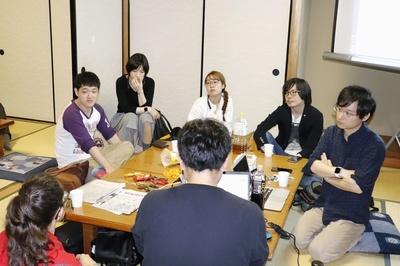 「ひきこもりと偏見」をテーマにした「HIKIPOS(ひきポス)」の編集会議。「自分たちは生産性がないと思われている」との声が上がった=6月、東京都内