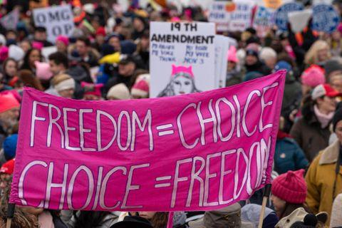 全米各地で女性が反トランプデモ