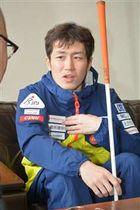 「最後まで走り抜きたい」とパラリンピックへの決意を語る高村和人=仙北市役所