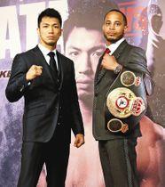 再戦を発表した村田諒太(左)とロブ・ブラント=東京都内のホテルで