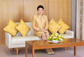 56歳の誕生日を迎えられた皇后さま=赤坂御所(宮内庁提供)
