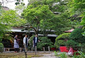 新緑の中、和の雰囲気が趣深い心田庵=長崎市片淵2丁目
