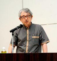 宇和島藩8代藩主の伊達宗城の研究の必要性を語る岩下教授
