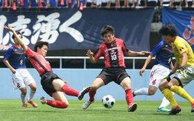 矢板中央の攻撃の軸となる多田と久永(手前左から)