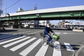 大植良太郎被告が、護送中の車両から逃走した現場付近=9日、大阪府東大阪市