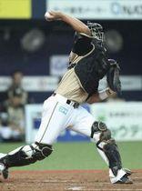 石川亮は四回に盗塁を阻止する強肩を見せると