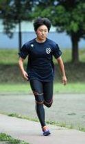 U-20日本代表として女子400メートルリレーに出場する作新大の福田