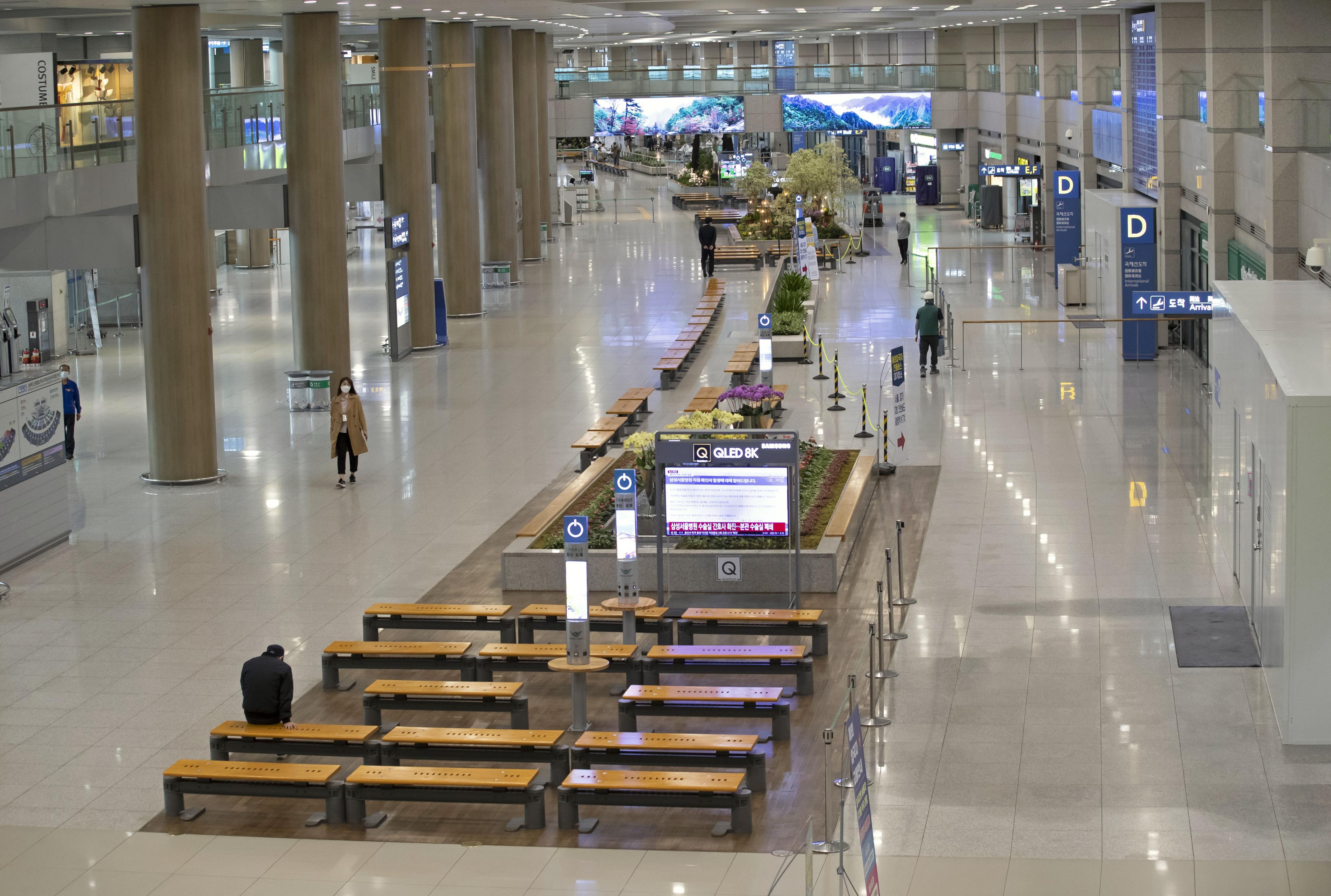 利用客がまばらな韓国の仁川国際空港=19日(聯合=共同)