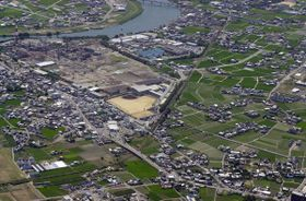 空から見た徳島北高校=2002年撮影