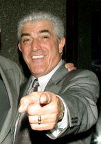米ニューヨークでのイベントに参加したフランク・ビンセント氏=2004年3月(ロイター=共同)