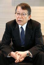 インタビューに答えるJXTGホールディングスの内田幸雄社長