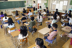 授業が再開された小学5年生の教室=8月、名古屋市