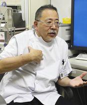 「指導者のけが予防の意識が薄い。早期発見が重要」と指摘する山崎医師=横浜市金沢区で