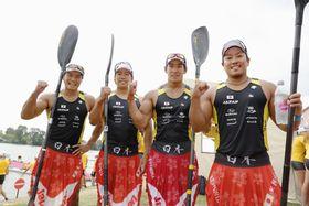 男子カヤックフォア500メートル、10~18位決定戦で3着に入り、東京五輪の出場枠を獲得した(左から)水本、宮田、藤嶋、松下の日本チーム=セゲド(共同)