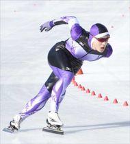 スピードスケート男子500メートルの宇賀神(作新)=富士急ハイランドセイコオーバル