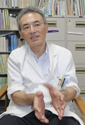 アルコール依存症の注意点について話す久里浜医療センターの松下幸生副院長