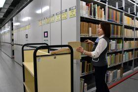 イベントで見学できる県立図書館の集密書庫