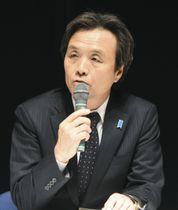新潟市内で講演する、北朝鮮による拉致被害者の蓮池薫さん=15日午後