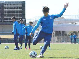 高知県で行われた2次キャンプで精力的に体を動かす選手たち(ブラウブリッツ秋田提供)