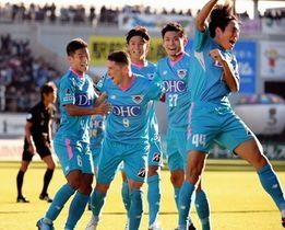 昨年11月の横浜M戦で決勝ゴールを決め喜ぶフェルナンドトーレス(9)