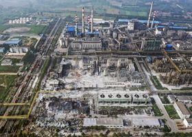 爆発事故があった中国河南省三門峡市の化学工場=20日(新華社=共同)
