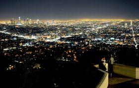 米カリフォルニア州ロサンゼルスの夜景=2013年(共同)