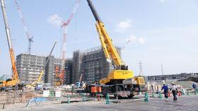 完成すると総戸数1320戸となる大規模マンション「プラウドシティ日吉」=横浜市港北区箕輪町