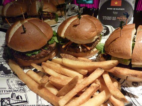 「世界のハンバーガーを日本で」 ハードロックカフェがフェア開催