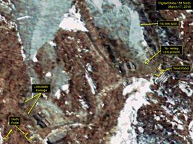 3月17日に撮影された北朝鮮・豊渓里の核実験場の衛星写真。西側坑道での掘削活動の動きがなくなっている(デジタルグローブ/38ノース提供・ゲッティ=共同)