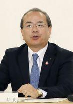 阿波おどりを主催する実行委員会の会合で発言する遠藤彰良徳島市長=24日午前、徳島市