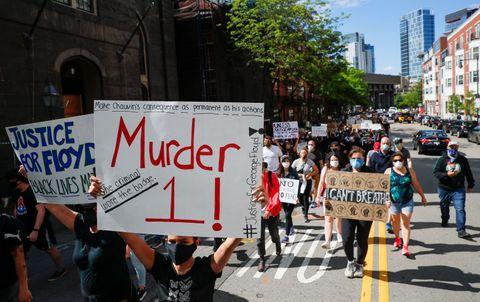 米抗議デモ、各地で暴徒化