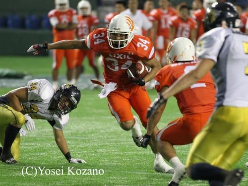 4Q4分、リクシルQB加藤からのパスを捕ったWR藤森がTD=撮影:Yosei Kozano、25日、東京ドーム