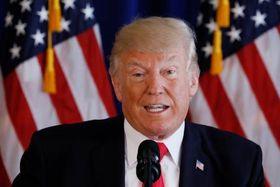 トランプ大統領=12日、ニュージャージー州ベッドミンスター(ロイター=共同)