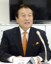 記者会見するパソナグループの南部靖之代表=22日、東京都内
