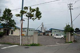9日で工場の操業を終了する小館木材本社=青森市油川千刈