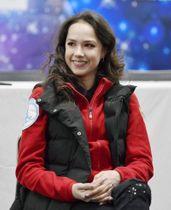 3月23日、さいたまスーパーアリーナでインタビューに応じるアリーナ・ザギトワ選手