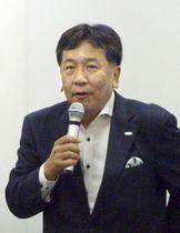 東京都内で講演する立憲民主党の枝野代表=17日午後