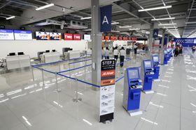 中部空港に開業する、LCC向け「第2ターミナル」ビルの内部=17日午前、愛知県常滑市