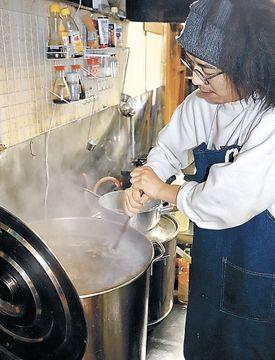 イノシシ骨でご当地ラーメン 味が自慢能登グルメ食べて 元協力隊の珠洲・新谷さん開発