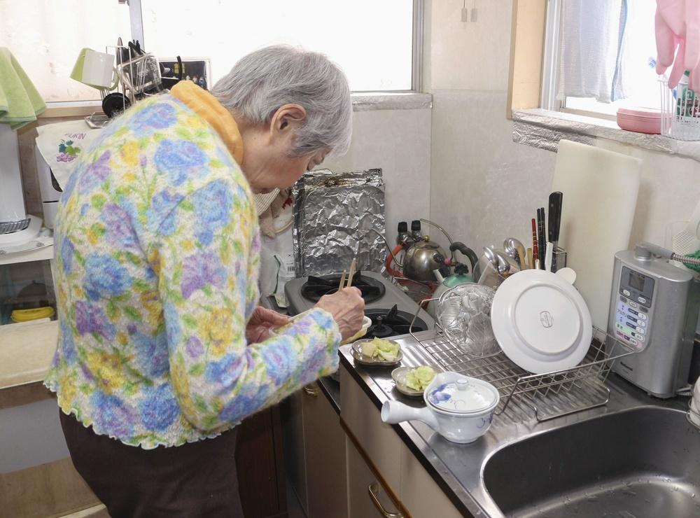 「住まいサポートふくおか」を利用し、低家賃のアパートに移り住んだ女性