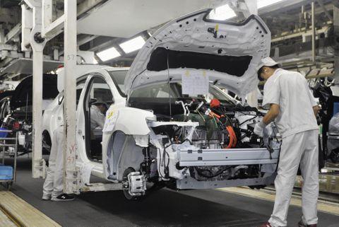 日産自動車の新型EV「シルフィ ゼロ・エミッション」の生産工程=15日、中国・広州(共同)