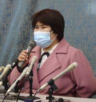 口頭弁論を終え、記者会見する西山美香さん=4日午前、大津市