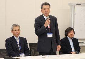営農の苦労や県の姿勢を批判する松尾社長(中央)=衆院第1議員会館